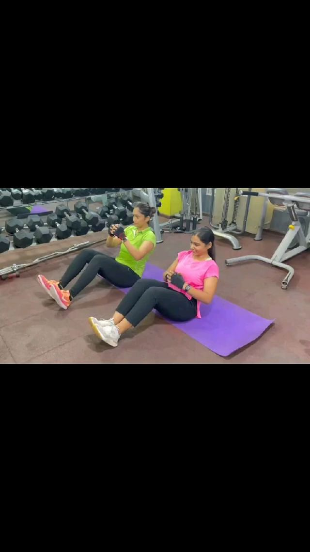 We girls just don't sit and chit-chat...  Give us Good ambience, Great music and Awesome synchronous fitness regime... We Rock the World...💫  . . . At @mymissionhealth   #corechallenge  #coupleworkouts  #missionhealthindia  #bestmedicalgym  #fitnessmotivation  #fitnessgoals